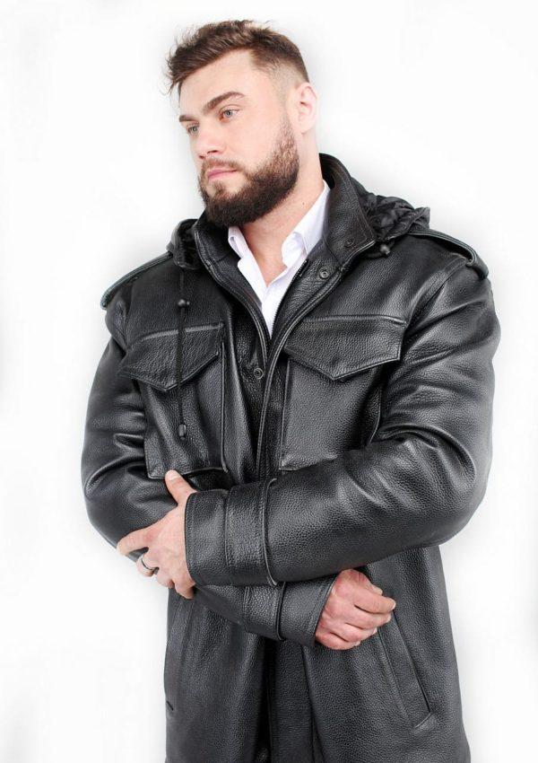 мужская кожаная куртка с накладными карманами Удобная приталенная женская косуха свободного покроя, укороченная спереди. застегивается на тонкую элегантную молнию три кармана на молнии спереди вшитые подплечники эполеты с кнопкой на плечах вшитый ремень с пряжкой по линии талии модель изготовлена из натуральной кожи 1 сорта мягкая подкладка