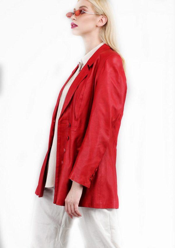 женский кожаный пиджак яркий 2021