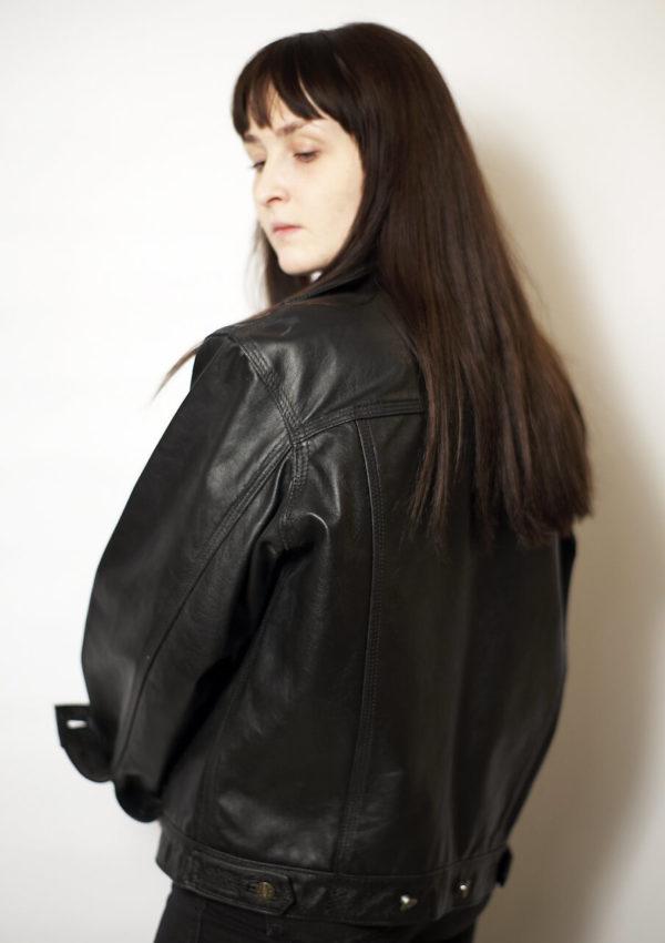 женская кожаная куртка оверсайз фото Alberto.ru