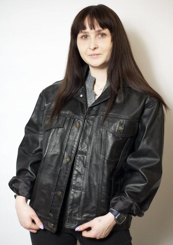 женская кожаная куртка-джинсовка оверсайз