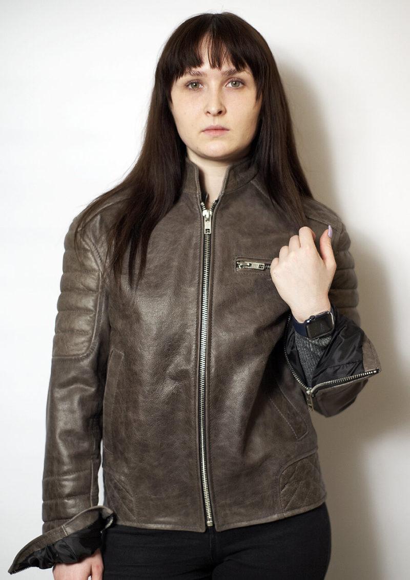 модная кожаная женская мотокуртка 2021 Alberto.ru