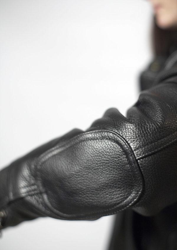 кожаная женская мотокуртка с усилением на локтях фото Alberto.ru